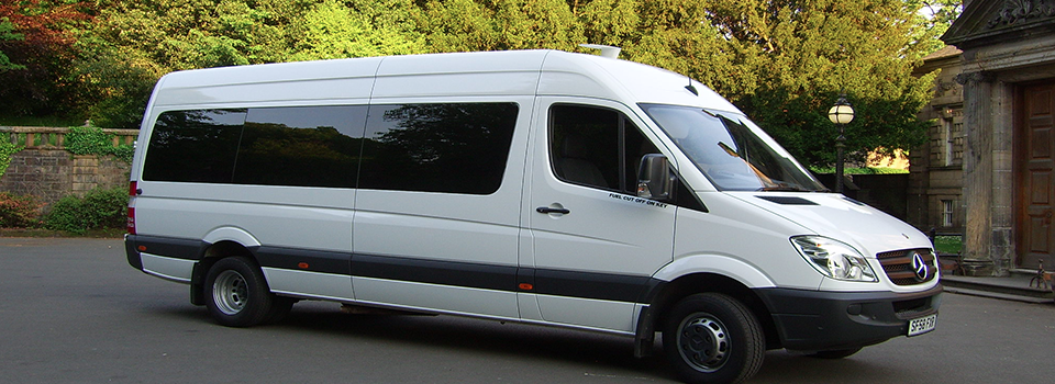 Mercedes Minibus - Extra Mile Coaches